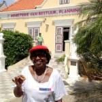 Ambtenaren houden tuin van ministerie voor niets schoon