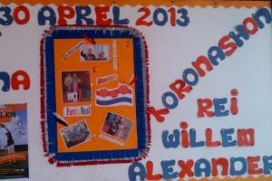 De leerlingen en leraren van basisschool Angela Jessurun hebben de school vrolijk versierd