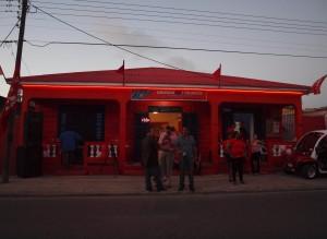 Het partijhuis van PDR in San Nicolas.