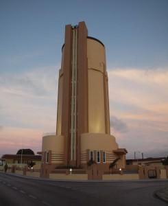 De gerestaureerde watertoren van San Nicolas. Foto: Ariën Rasmijn