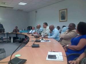 De leden van Aliansa Sivil tijdens de persconferentie.
