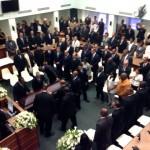 Bij de plechtigheid waren ook de Arubaanse premier Mike Eman, minister Ronald Plasterk en de Gouverneur aanwezig. Foto: Natasja Gibbs