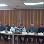 v.l.n.r: Ivar Asjes (PS), Justitie minister Nelson Navarro en demissionair premier Daniel Hodge. Foto: Regering Curacao