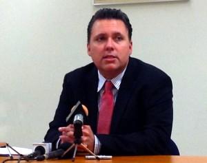 Minister van Financiën José Jardim - foto: Dick Drayer