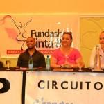 Uriel Trustfull (tweede links) en Angeline de Ron-Tromp (in het roze) tijdens een persconferentie in de aanloop naar het event.