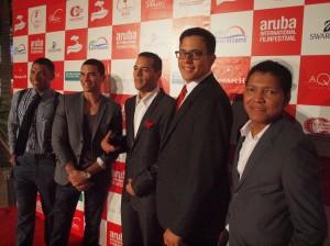Leden van de cast van 'Abo So'. Helemaal rechts: regisseur Juan Francisco Pardo. Foto: Ariën Rasmijn