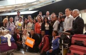 De Arubaanse bursalen bij aankomst op Schiphol - foto: Kabinet van Aruba