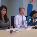Van links naar rechts: minister Michelle Hooyboer-Winklaar (AVP) van Sociale Zaken, CBS-directeur Martijn Balkestein en CBS-programmeur Yasmara Pourrier - foto: Ariën Rasmijn