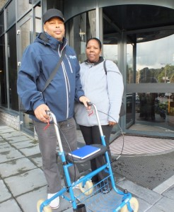 Cedric Soleana met zijn vrouw voor Bastion Hotel - foto: Jamila Baaziz