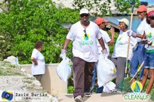 2.000 Curaçaoënaars ruimden samen bijna een half miljoen kilo aan vuil op