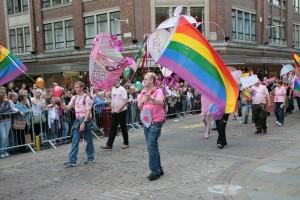 Volgens mede-organisator van de Gay Pride Mario Kleinmoedig doet Curaçao het goed wat betreft acceptatie van homoseksualiteit