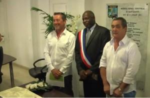Het eerste echtpaar van hetzelfde geslacht in Marigot met Vice_President guillaume Arnell.