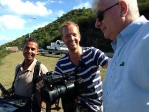 De NTR cameraploeg aan het werk op St. Maarten - foto: Jean Mentens