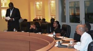 Levenstone tijdens de vergadering - foto: Extra Bonaire