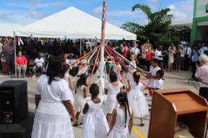 Culturele presentatie terwijl de officiële ceremonie van Saba Dag - foto: Hazel Durand