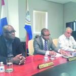 Persconferentie met minister Ted Richardson en Romain Laville - foto: Hilbert Haar