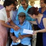 Tavio Sint Jago ontvangt cultuurprijs - foto: Belkis Osepa