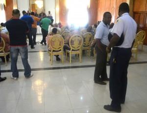 Politie vergadert onder werktijd | Dick Drayer