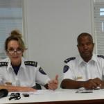 Hildegard Buitink en inspecteur Jossy Rosales - foto: Belkis Osepa