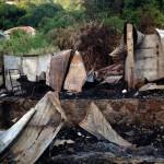 Het huis ging in vlammen op - foto: Hazel Durand