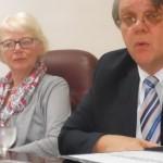 Raadsheer Bob Wit en commissielid Rieke Samson-Geerlings  - foto Today / Hilbert Haar