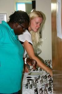 Optometrist Marie-Luise Ameen komt twee keer per maand naar Statia | Foto: Anneke Polak