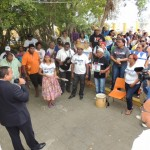 Waarnemend gezaghebber Edison Rijna spreekt de Rijksambtenaren toe -foto: Extra Bonaire