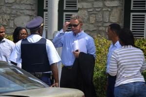 Officier van Justitie, mr Gert Rip verlaat de rechtbank