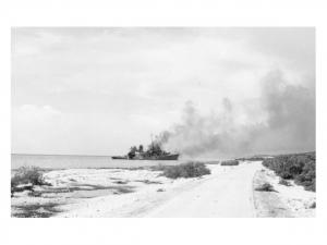 USS Erie na de aanval bij het strand van Marriott
