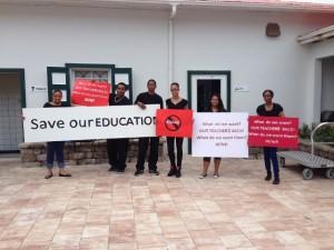 Leerlingen van de Saba Comprehensive School willen hun leraren terug
