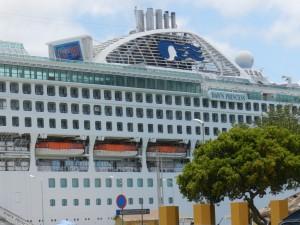 Vandaag had Bonaire een winstgevende primeur met de komst van de Dawn Princess | Foto: Belkis Osepa