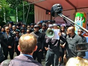 Proteste bij herdenking slavernij foto Sam Jones Productions