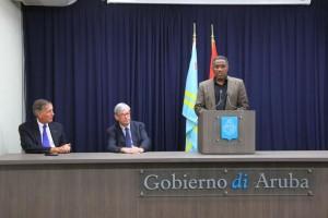 Minister Dowers aan het woord. Foto: BUVO
