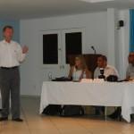 Rob van den Bergh tijdens presentatie onderzoeksresultaten