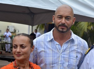 Brian Pieters (r) met zijn psychiater dr. Pytha Jessurun