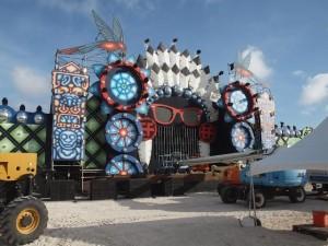 Het nog in aanbouw zijnde hoofdpodium van Electric Festival. Foto: Ariën Rasmijn