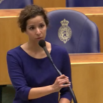Wassila Hachchi van D66 tijdens het debat over de Kieswet