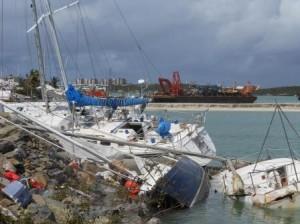 Vernielde zeilboten in Simpson Bay - foto: Today/Hilbert Haar