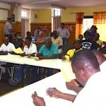 Varkenshouders bij de bijeenkomst over dioxine - foto: José Manuel Dias