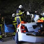 De auto moest door de brandweer opgesneden worden: foto - Bòi Antoin