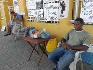 Vroeg in de ochtend bij de protestplek | foto: Belkis Osepa