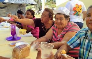 Aruba doet heeft ook veel succes gehad oner de bewoners van Biba Bou Guia | Foto: Jackeliene Geeve