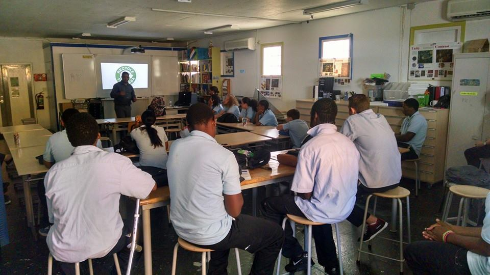 http://caribischnetwerk.ntr.nl/files/2015/05/A-typical-classroom-setting-at-the-Saba-Comprehensive-School-SCS-photo.jpg