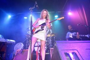 Ana Popovic was voor veel festivalgangers een verrassing | Foto: Dick Drayer