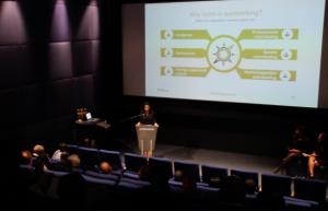 In Rotterdam is het 'nieuwe' stichting Passaat gepresenteerd, dat geld en advies gaat geven aan de organisaties die een project willen beginnen voor de Antilliaanse gemeenschap in Nederland. - foto: John Samson