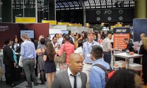 De Caribische banenbeurs in Rotterdam is dit jaar drukker dan in 2014 - foto: John Samson