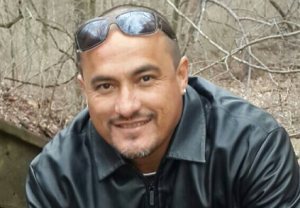 De 42-jarige Arubaan Mitch Henriquez overleed zondag na een hardhandige aanhouding in Den Haag - foto: Facebook