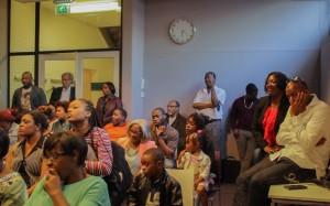 Een volle zaal voor de bijeenkomst met de Statiaanse politici - foto: John Samson