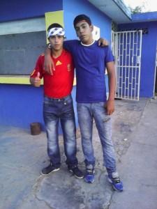 Twee jongeren van Aruba Bootcamp - foto: Facebook