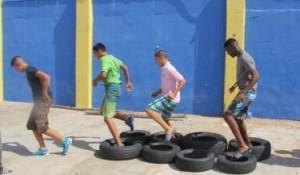 In het kamp worden de jongens gedrild, getraind en gestraft - foto: Jackeliene Geeve